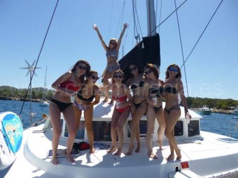 despedida de soltera en ibiza en catamaran
